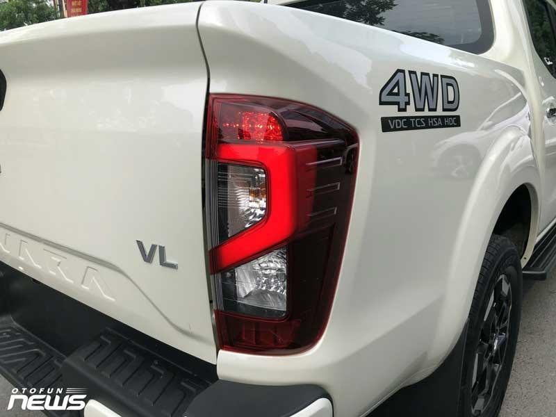Ảnh thực tế của Nissan Navara 2021 VL 4WD vừa ra mắt với giá 895 tr