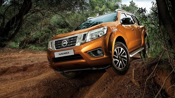 """Nissan Navara : """" Chuẩn """" bán tải nhập khẩu Thái Lan"""